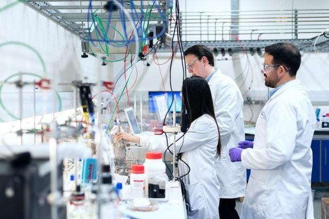 Como o CRM pode ser um diferencial competitivo para as indústrias farmacêuticas